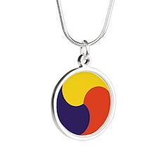Sam Taegeuk Silver Round Necklace