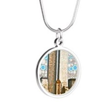 Twin Towers 1995 Silver Round Necklace