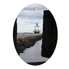 Spring Point Light Oval Ornament