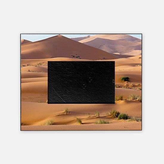 Saharan sand dunes Picture Frame