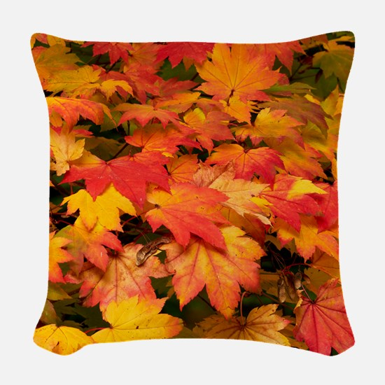 Maple (Acer japonicum vitifoli Woven Throw Pillow
