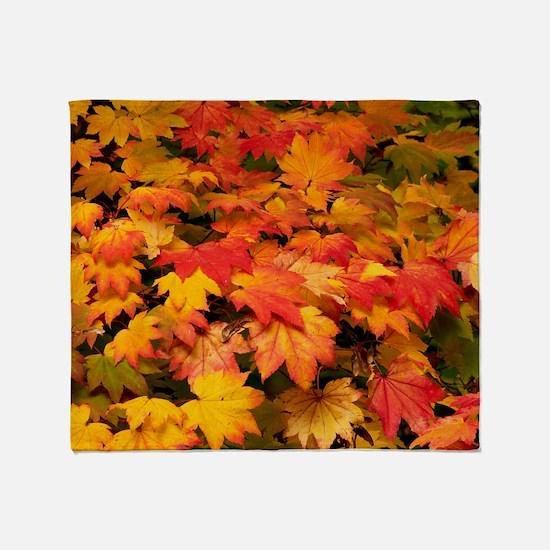 Maple (Acer japonicum vitifolia) lea Throw Blanket