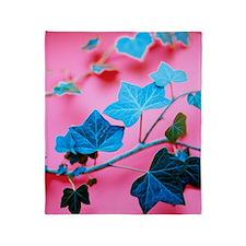 Ivy leaves Throw Blanket