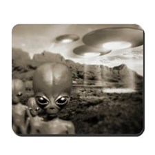 Alien contact in the 1940s, artwork Mousepad
