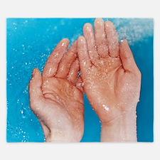Washing hands King Duvet