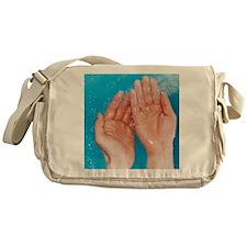 Washing hands Messenger Bag