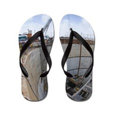 Tunnelling a sewerage pipe Flip Flops