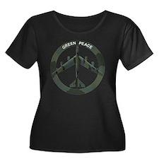 B-52 Str Women's Plus Size Dark Scoop Neck T-Shirt