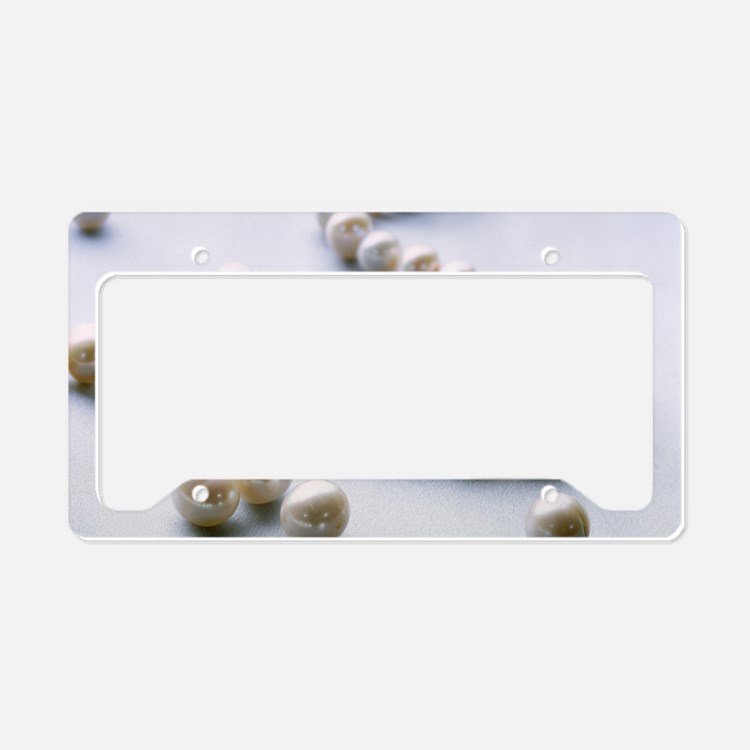 Pearl necklace License Plate Holder