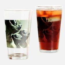 Aliens, artwork Drinking Glass
