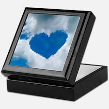 Heart-shaped cloud formation Keepsake Box