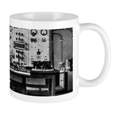 Eiffel Tower radio station, 1914 Mug