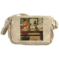 GOLDILOCKS_SQ Messenger Bag
