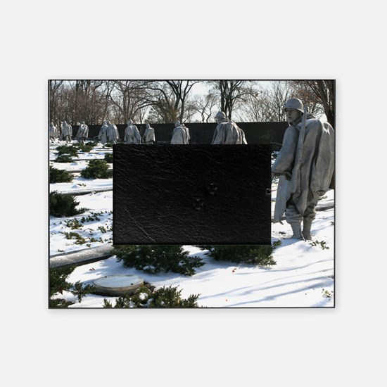 Korean war memorial veterans statues Picture Frame