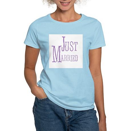 Lilac Text Just Married Women's Light T-Shirt