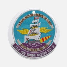 uss bon homme richard cva patch tra Round Ornament