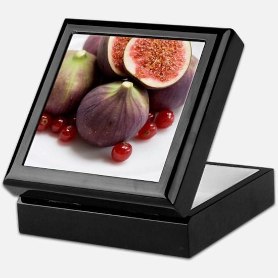 Whole and halved figs Keepsake Box