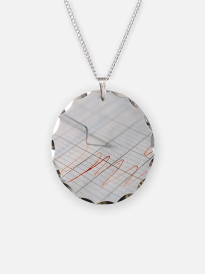 Lie detector traces Necklace