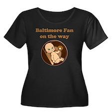 Baltimor Women's Plus Size Dark Scoop Neck T-Shirt