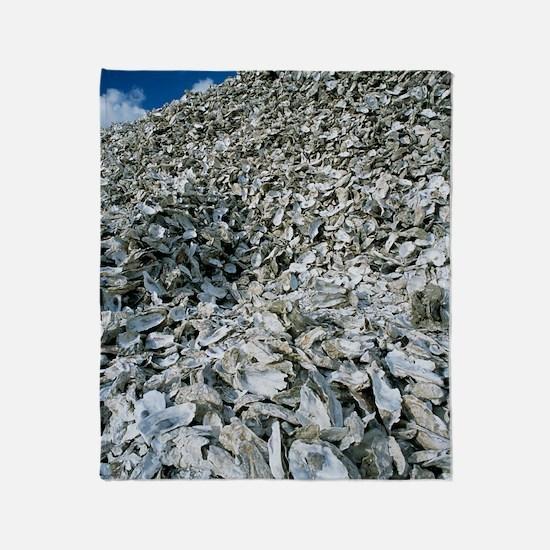 Oyster shells Throw Blanket