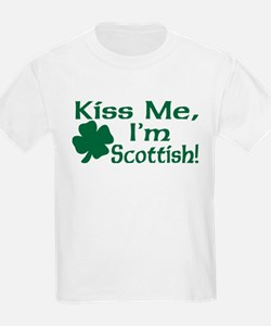 Kiss Me I'm Scottish Kids T-Shirt