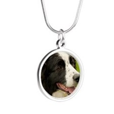 Border collie with tongue ou Silver Round Necklace