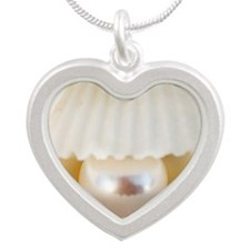 Pearl in a shell Silver Heart Necklace