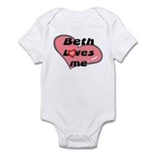 beth loves me  Infant Bodysuit