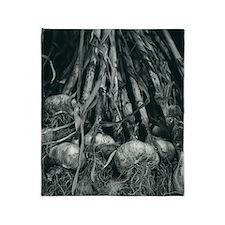 Garlic bulbs Throw Blanket