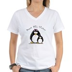 Best Big Sister penguins Women's V-Neck T-Shirt