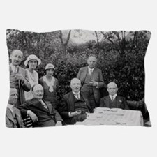 Rutherford, Geiger, Chadwick Meitner e Pillow Case