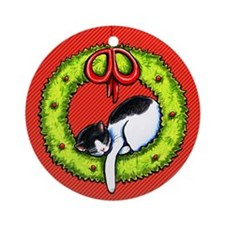 Christmas Kitty Wreath Red Ornament (Round)