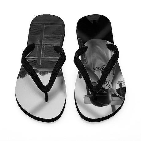 100_0660 Flip Flops