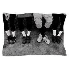 Photo, view of baseball players feet i Pillow Case