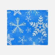 Blue and White Snowflake Pattern Throw Blanket