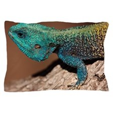Close-up of a blue-headed tree agama l Pillow Case