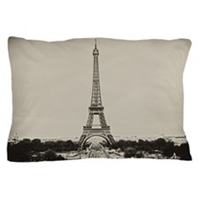 Eiffel Tower in old style black and wh Pillow Case