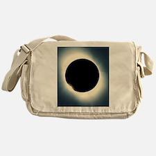 Total solar eclipse from Aruba, 26/0 Messenger Bag