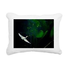 Flying Egret on canals o Rectangular Canvas Pillow