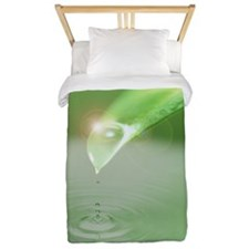 Green leaf and rippling water Twin Duvet