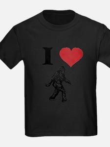 I LOVE SASQUATCH BIGFOOT T SHIRT T-Shirt