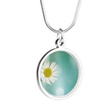 Small delicate white daisy Silver Round Necklace