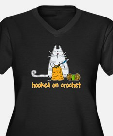 Hooked on crochet II Women's Plus Size V-Neck Dark