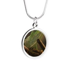Cameleon Silver Round Necklace
