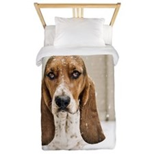 Basset hound in snow Twin Duvet