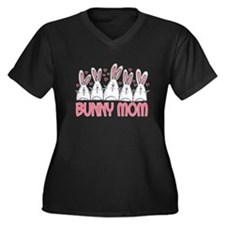 Bunny Mom II Women's Plus Size V-Neck Dark T-Shirt