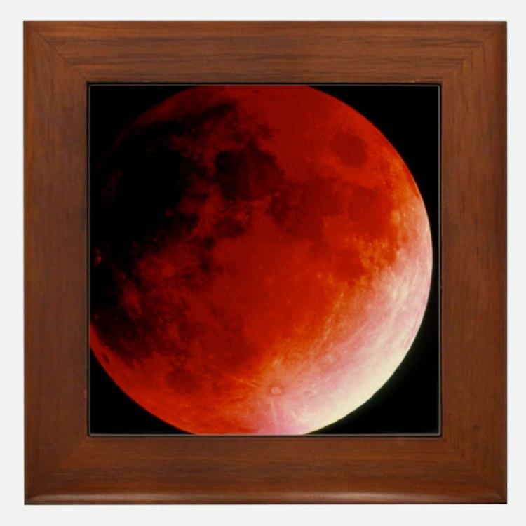 Lunar eclipse Framed Tile