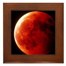 Total eclipse of the Moon in October 1 Framed Tile