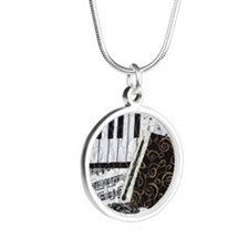 0505-sleeve-oboe Silver Round Necklace