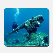 Diver with sunken gun Mousepad